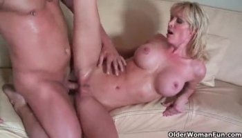 Italian chick Mariah Milano fucks doggy style and loves the taste of cum