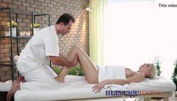 Pristine Body Arab Girlfriend Getting Fingered